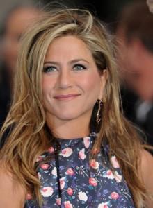 Confira os 10 penteados mais influentes dos últimos tempos!! Sexto Penteado - Jennifer Aniston